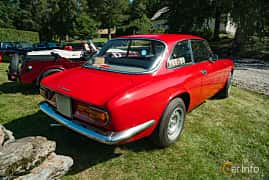 Back/Side of Alfa Romeo Giulia GT 1300 Junior 1.3 Manual, 87ps, 1970 at Sportbilsklassiker Stockamöllan 2019