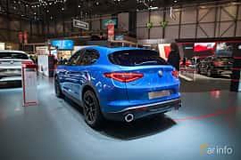 Bak/Sida av Alfa Romeo Stelvio 2.2 JTDM Q4 Automatic, 210ps, 2017 på Geneva Motor Show 2017