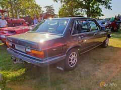 Back/Side of Audi 100 4-door Sedan 2.1 Automatic, 136ps, 1980 at Fordonsträffar i Flen v.30 / 2019