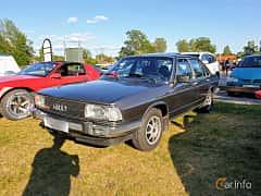 Front/Side  of Audi 100 4-door Sedan 2.1 Automatic, 136ps, 1980 at Fordonsträffar i Flen v.30 / 2019