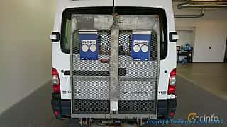 Back of Opel Movano Minibus 3.0 CDTI Manual, 136ps, 2003