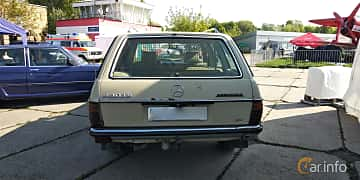 Back of Mercedes-Benz 230 TE  136ps, 1984 at Old Car Land no.1 2019