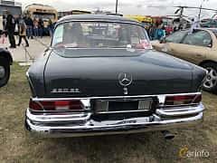 Back of Mercedes-Benz 220 S Sedan  105ps, 1963 at Old Car Land no.2 2019