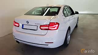 Bak/Sida av BMW 330e Sedan 2.0 Steptronic, 252ps, 2016