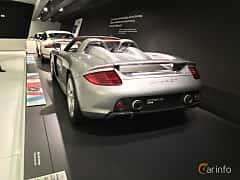 Bak/Sida av Porsche Carrera GT 5.7 V10 Manual, 612ps, 2003