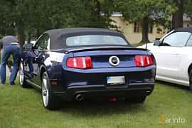 Back/Side of Ford Mustang GT Convertible 4.6 V8 320ps, 2010 at Bil & MC-träffar i Huskvarna Folkets Park 2019 Amerikanska fordon