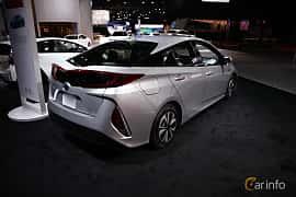 Bak/Sida av Toyota Prius Plug-in Hybrid 1.8 VVT-i Plug-in CVT, 123ps, 2017 på North American International Auto Show 2018