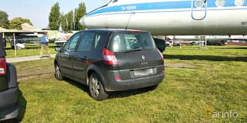Back/Side of Renault Scénic 1.6 Manual, 113ps, 2005 at Old Car Land no.1 2019