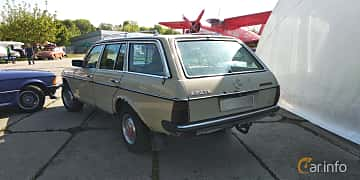 Back/Side of Mercedes-Benz 230 TE  136ps, 1984 at Old Car Land no.1 2019