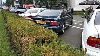 Back/Side of BMW 530d Sedan  193ps, 2001 at Old Car Land no.2 2018