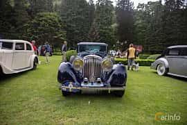 Front  of Bentley 3.5 Litre Sports Saloon 3.7 Manual, 111ps, 1935 at Rolls-Royce och Bentley, Norrviken Båstad 2019
