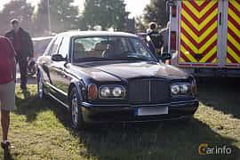 Fram/Sida av Bentley Arnage Green Label 4.4 V8 Automatic, 354ps, 1999 på Tisdagsträffarna Vikingatider v.26 / 2017