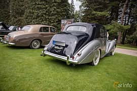 Back/Side of Bentley R Type 4.6 Manual, 130ps, 1953 at Rolls-Royce och Bentley, Norrviken Båstad 2019