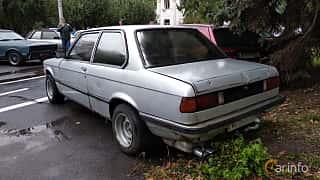 Back/Side of BMW 320 Sedan  Manual, 122ps, 1978 at Old Car Land no.2 2018