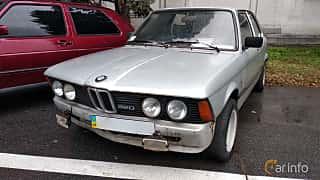 Front/Side  of BMW 320 Sedan  Manual, 122ps, 1978 at Old Car Land no.2 2018