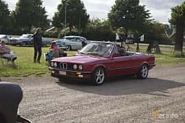 Front/Side  of BMW 325i Convertible 2.5 Manual, 170ps, 1987 at Tisdagsträffarna Vikingatider v.25 / 2017