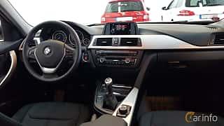 Interiör av BMW 320d Touring 2.0 Manual, 163ps, 2015