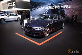 Fram/Sida av BMW M550i xDrive Sedan 4.4 V8 xDrive Steptronic, 462ps, 2017 på North American International Auto Show 2017