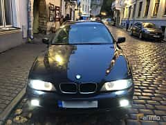 Front  of BMW 528i Touring  Automatic, 193ps, 2000