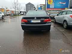 Bak av BMW 750i  Automatic, 367ps, 2007