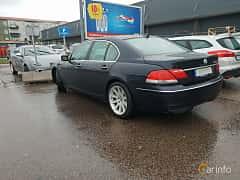 Bak/Sida av BMW 750i  Automatic, 367ps, 2007