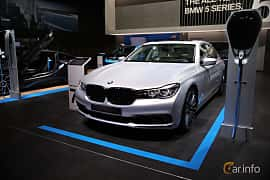 Fram/Sida av BMW 740Le xDrive 2.0 xDrive Steptronic, 326ps, 2017 på North American International Auto Show 2017