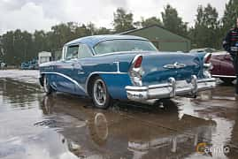Bak/Sida av Buick Century Riviera 2-Door Hardtop 5.2 V8 Manual, 239ps, 1955 på Fly ´n´ Ride 2017