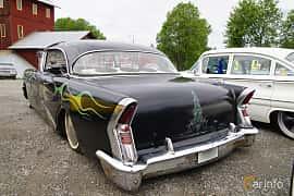 Back/Side of Buick Century 4-door Riviera 5.3 V8 Automatic, 259ps, 1956 at Motorträff på Olofsfors Bruk 2019