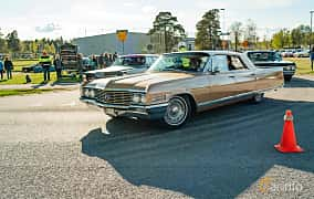 Front/Side  of Buick Electra 225 4-door Hardtop 6.6 V8 Automatic, 330ps, 1964 at Wheelers Cruising, Vetlanda 2019