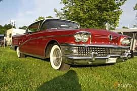 Front/Side  of Buick Limited 2-door Riviera 6.0 V8 Automatic, 305ps, 1958
