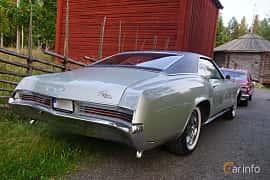 Back/Side of Buick Riviera 7.0 V8 Automatic, 345ps, 1966 at Onsdagsträffar på Gammlia Umeå 2019 vecka 35