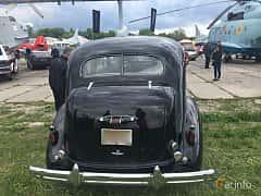 Back of Buick Roadmaster Sedan 5.2 Manual, 132ps, 1937 at Old Car Land no.1 2019