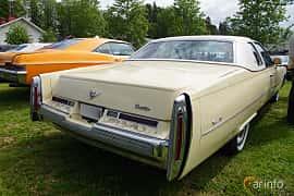 Back/Side of Cadillac Coupé de Ville 8.2 V8 OHV Hydra-Matic, 193ps, 1976 at Motorträff på Olofsfors Bruk 2019