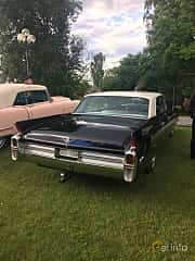 Bak/Sida av Cadillac Sedan de Ville 4-window 6.4 V8 OHV Hydra-Matic, 330ps, 1963