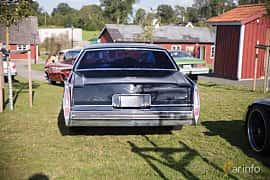 Bak av Cadillac Sedan de Ville 7.0 V8 Hydra-Matic, 182ps, 1978 på Bil & Mc-café vid Tykarpsgrottan v.33 (2017)