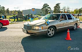 Front/Side  of Cadillac De Ville 4.6 V8 Automatic, 279ps, 1999 at Wheelers Cruising, Vetlanda 2019