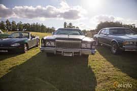 Fram av Cadillac Fleetwood Eldorado Coupé 8.2 V8 OHV Hydra-Matic, 223ps, 1974 på Bil & Mc-café vid Tykarpsgrottan v.33 (2017)