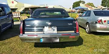 Back of Cadillac Fleetwood 5.7 V8 Automatic, 188ps, 1993 at Old Car Land no.1 2019