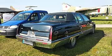 Back/Side of Cadillac Fleetwood 5.7 V8 Automatic, 188ps, 1993 at Old Car Land no.1 2019