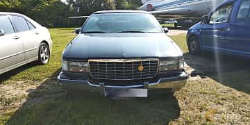 Front  of Cadillac Fleetwood 5.7 V8 Automatic, 188ps, 1993 at Old Car Land no.1 2019