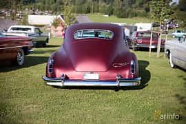 Bak av Cadillac Sixty-Two Club Coupé 5.7 V8 Hydra-Matic, 152ps, 1946 på Bil & Mc-café vid Tykarpsgrottan v.33 (2017)