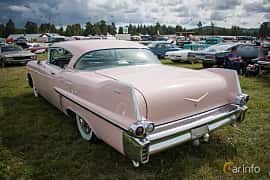 Back/Side of Cadillac Sixty-Two Coupé de Ville 6.0 V8 Automatic, 305ps, 1957 at Classic Car Week Rättvik 2015