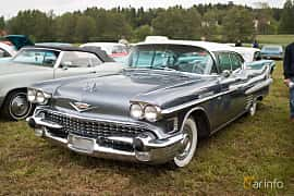 Front/Side  of Cadillac Sixty-Two Sedan de Ville 6.0 V8 Automatic, 314ps, 1958 at Power America Fest, Nossebro 2015