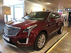 Front/Side  of Cadillac XT5 3.6 V6 AWD Automatic, 314ps, 2019
