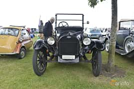 Front  of Chevrolet 490 Touring 2.8 Manual, 26ps, 1919 at Veteranbilsträff i Vikens hamn Juni 2016