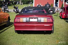 Bak av Chevrolet Camaro Z28 Convertible 5.0 V8 Automatic, 208ps, 1991 på Bil & Mc-café vid Tykarpsgrottan v.33 (2017)