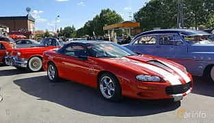 Front/Side  of Chevrolet Camaro SS 5.7 V8 Manual, 324ps, 1998