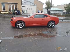 Side of Chevrolet Camaro SS 6.2 V8 Automatic, 405ps, 2013