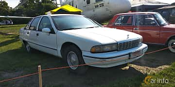 Front/Side  of Chevrolet Caprice Sedan 5.0 V8 Automatic, 173ps, 1992 at Old Car Land no.1 2019