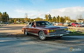 Front/Side  of Chevrolet Caprice Sedan 5.0 V8 Automatic, 167ps, 1986 at Wheelers Cruising, Vetlanda 2019